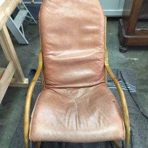 Nonna Rocking chair voor restauratie