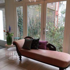chaise longue in moderne context   Patine meubelrestauratie