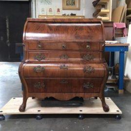 cilinderbureau na restauratie van lade