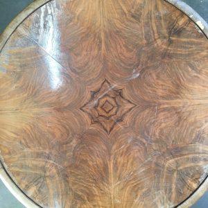 beschadigd noten fineer | patine meubelrestauratie